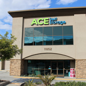 Rent Self Storage Now Ace Self Storage In Southern